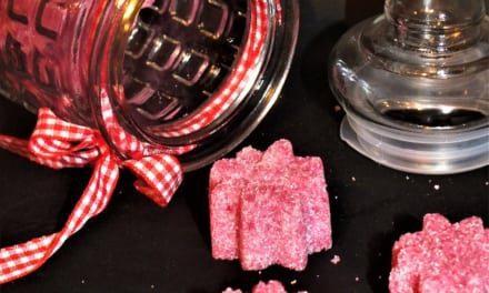 Barevný kostkový cukr