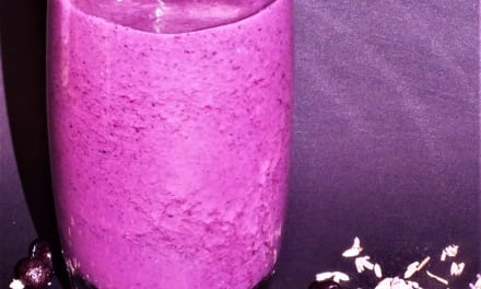 Borůvkový koktejl s levandulí