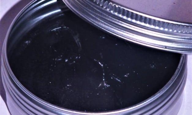 Čistič pleti s uhlím