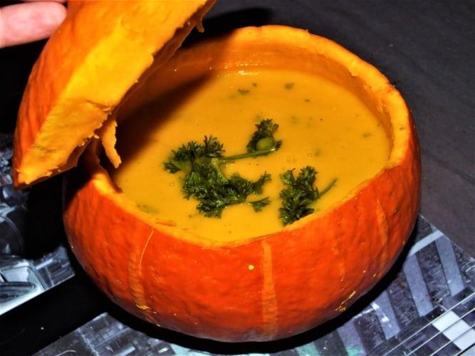 Dýňová polévka (z dýně Hokaidó)