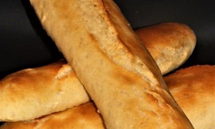 Domácí bageta s česnekovým máslem (bez laktózy)