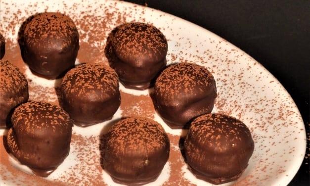 Piškoty v čokoládě plněné nutelou a banánem