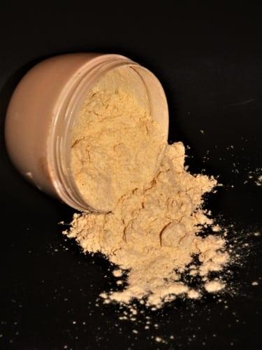 Suchý šampon na blonďaté vlasy