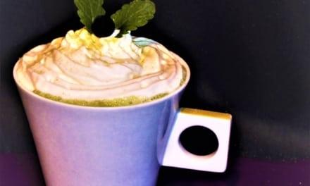 Vanilkové sójové matcha laté pro vegany