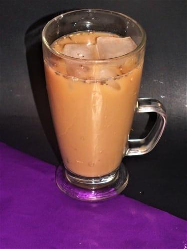 Levandulová káva z levandulového sirupu (veganská verze)