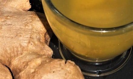 Zázvorový čaj ze zázvorového sirupu