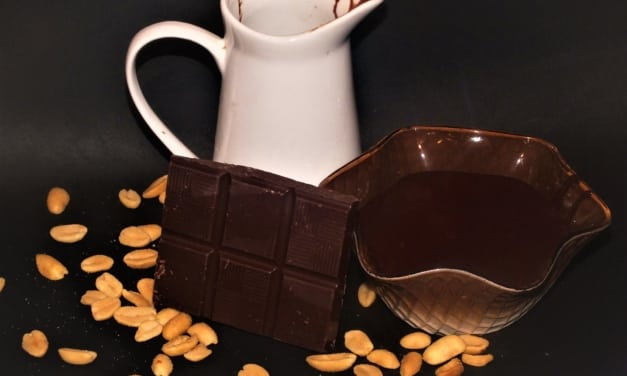 Čokoládová omáčka s arašídovým máslem bez (laktózy)
