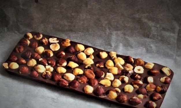 Čokoláda s lískovými ořechy