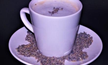 Levandulové čaj laté