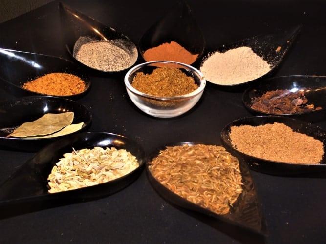 Pražená Garam masala (indické koření)