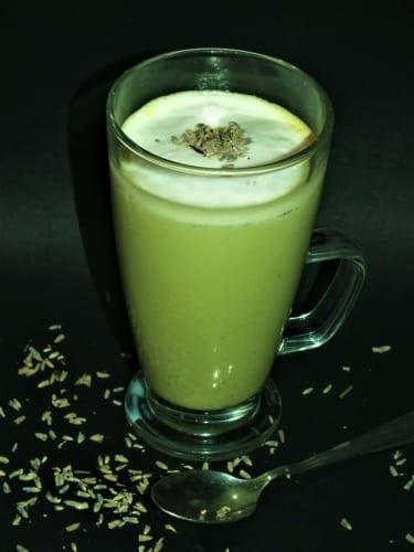 Matcha laté s levandulí (pro vegany)