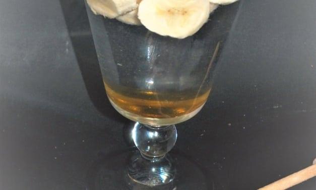 Ovocná voda: banán a med