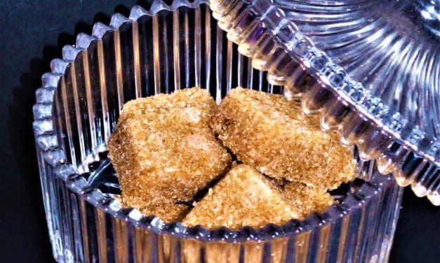 Kostkový třtinový cukr