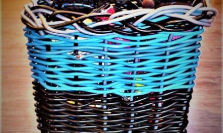 Jak jsem pletla košíček ze zbytků elektrických drátů