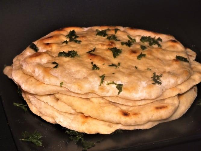 Jednoduchý naan (indický chleba)
