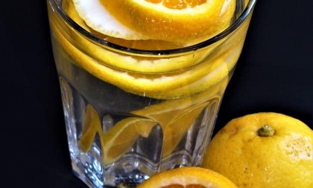 Ovocná voda: pomeranč a citrón