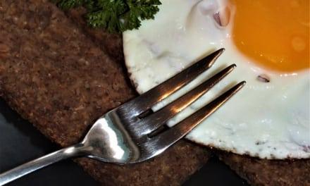 Šunkové vejce se sýrem