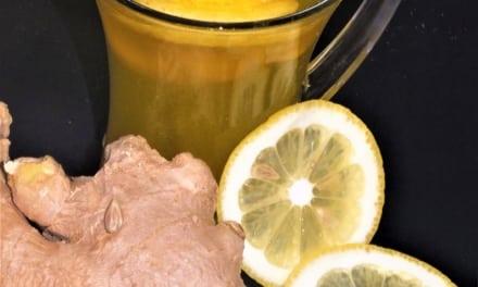 Zázvorový čaj s kurkumou