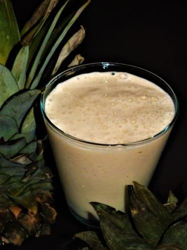 Krémové ananasové smoothie