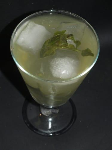 Bazalková limonáda s medem