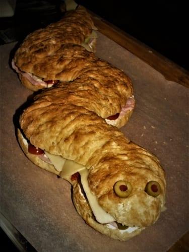Obří hadí sendvič (vážící přes 1,5 kila)!
