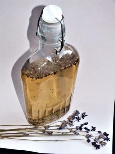 Levandulový sirup slazený třtinovým cukrem (do čaje i cukroví)