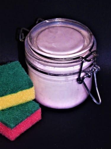 Čistící písek (na mytí koupelny i nádobí)