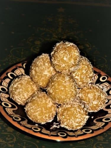 Bezlepkové kokosové kuličky