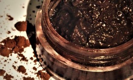 Čokoládový peeling na rty