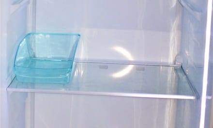Jak umýt lednici a zbavit ji všech pachů