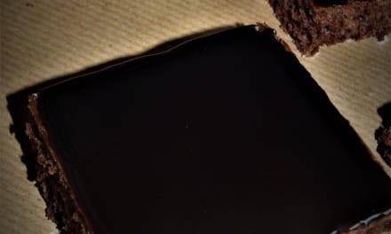 Perník politý čokoládovou polevou od maminky