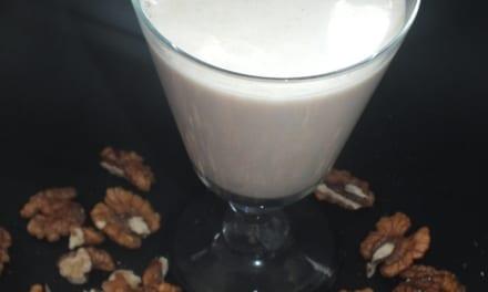 raw mléko vlašských ořechů