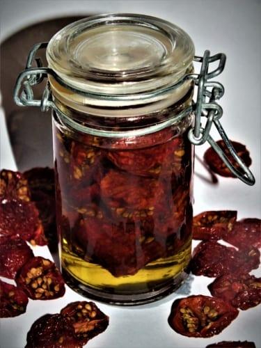 Sušená cherry rajčata v oleji