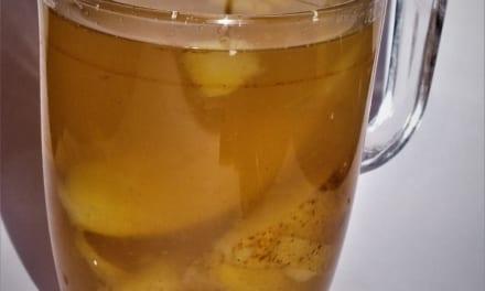 Hruškový čaj se zázvorem