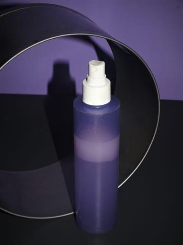 Olej ve spreji na vymazávání plechů, pánve a forem