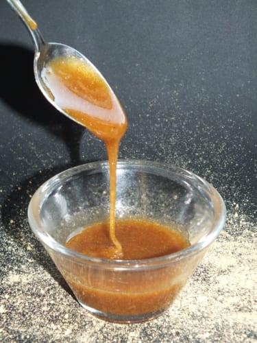 Zázvorový med ze sušeného zázvoru