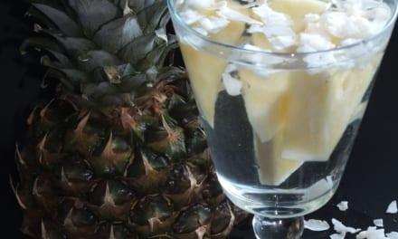 Ovocná voda: ananas a kokos