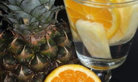 Ovocná voda: ananas s pomerančem