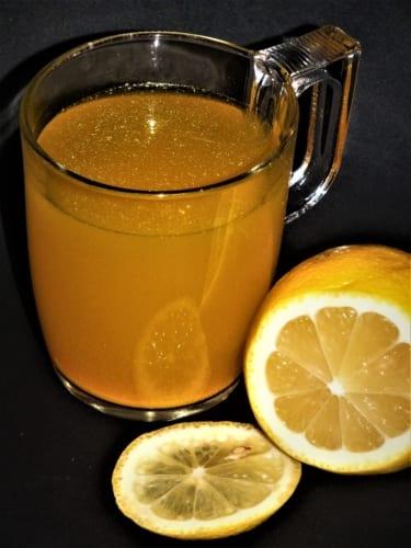 Chřipkový čaj: kurkuma, med a citrón