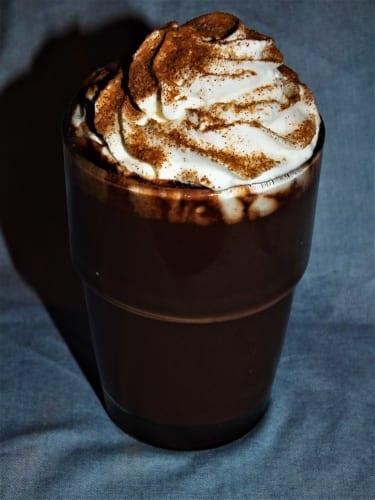Horká karamelová čokoláda