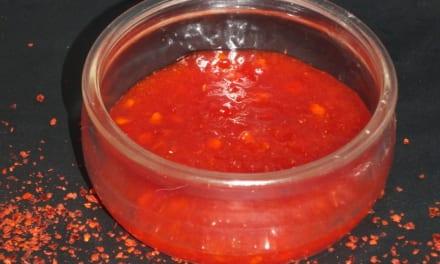 Tmavá chilli pasta
