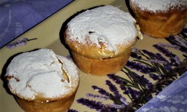 Kynuté muffiny s tvarohovou náplní