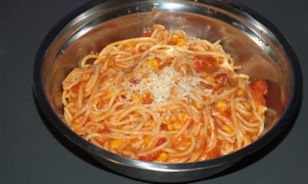 Špagety s krémovou rajčatovou omáčkou