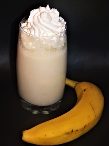 Ledový banánový koktejl