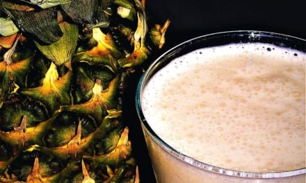 Ananasové smoothie s kokosem (veganské/bez laktózy)