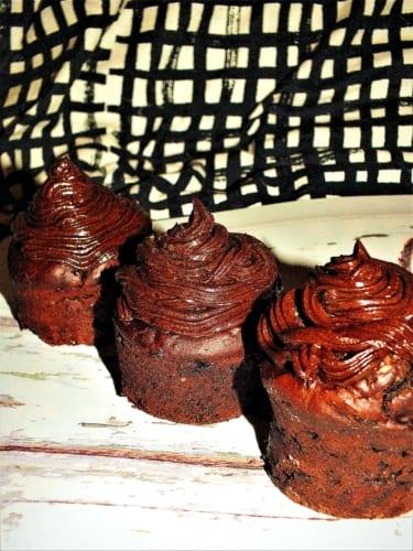 Muffiny s avokádovou polevou (bez laktózy)