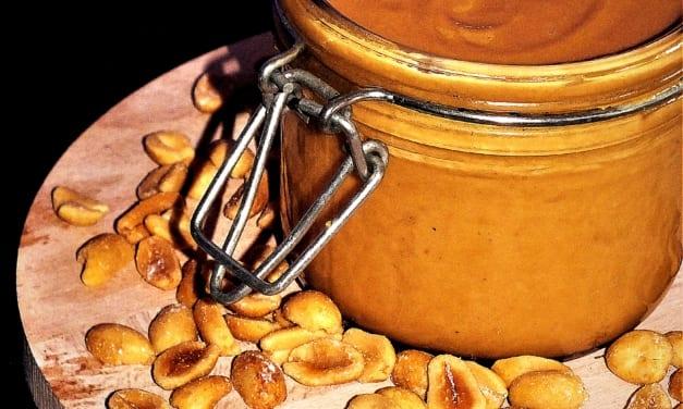 Arašídové máslo z pražených arašídů