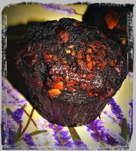 Čokoládové muffiny se třemi druhy čokolády