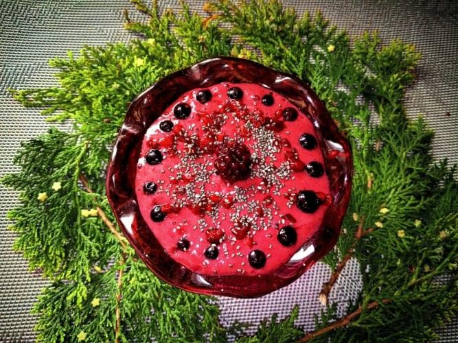 Smoothie bowl z lesního ovoce