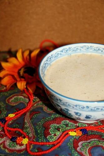 Tibetský máslový čaj s tsampou